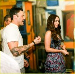 megan-fox-brian-austin-green-brazilian-dance-spectators-21